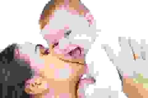 Có nên dùng máy xông mũi họng cho trẻ?