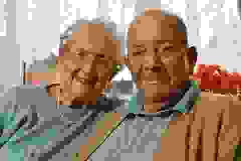 Chuyện tình đôi vợ chồng già 77 năm hạnh phúc