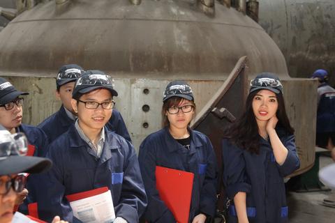 Sinh viên Việt Nam đã hoàn thành xuất sắc khóa thực tập tại Cơ sở Công nghiệp Hạt nhân Nga