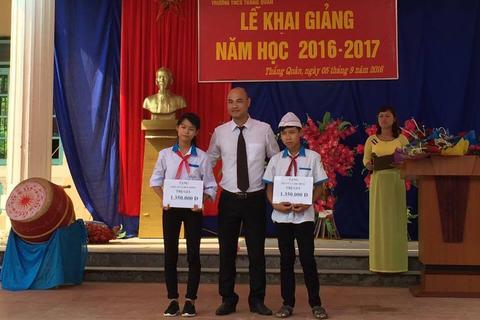 Thầy giáo trẻ hơn 10 năm làm thiện nguyện ở tỉnh Tuyên Quang