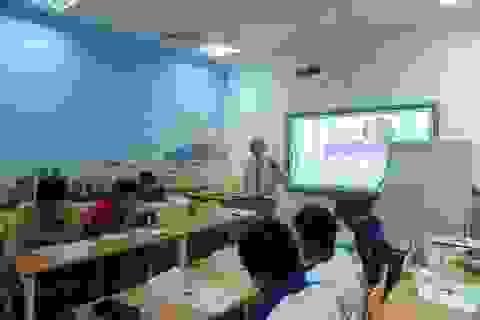Học kỹ năng qua ngôn ngữ - Học 1 được 2