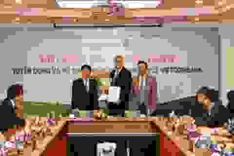 Vietcombank tuyển dụng và bổ nhiệm ông Thomas William Tobin làm Giám đốc Khối bán lẻ