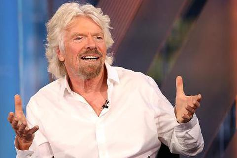 14 tuổi, tỷ phú Richard Branson đã biết kiếm tiền nhờ Coca-Cola cạnh tranh Pepsi