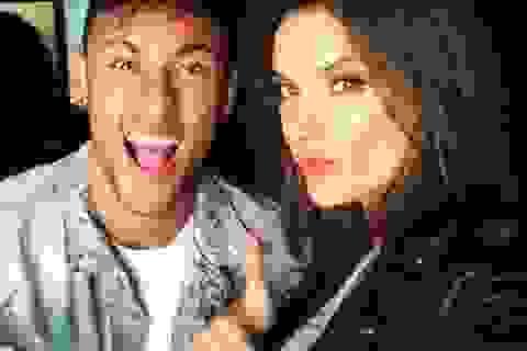 Thiên thần nội y muốn cưới Neymar và vẫn khao khát C.Ronaldo