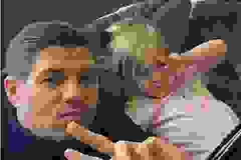 """Gerrard bị """"ném đá"""" vì tặng con gái iPad vàng hơn 40 triệu đồng"""