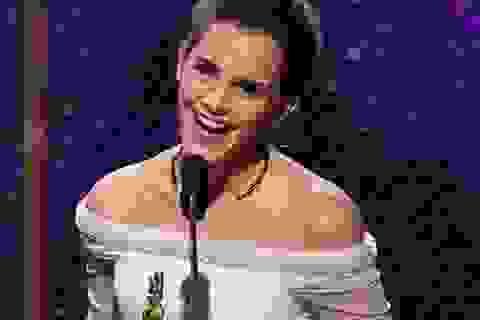 """Emma Watson, cô """"phù thủy nhỏ"""" đã lột xác thành """"người đẹp"""""""
