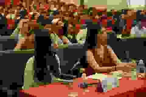 """Đại sứ Pháp nhắn SV Việt cần học """"nhiều hơn một ngoại ngữ"""" để không thua thiệt"""