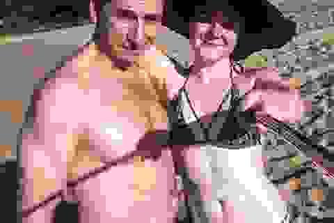 Chuyện tình cặp vợ chồng chênh nhau 29 tuổi, đi đâu cũng bị nhầm là bố con