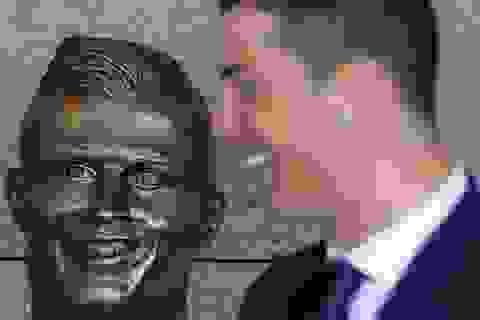 """Tượng của C.Ronaldo gây """"bão"""" vì… đẹp trai bất ngờ"""