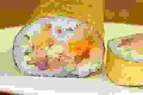 Sushi bọc vàng giá hơn 2 triệu đồng/cuộn