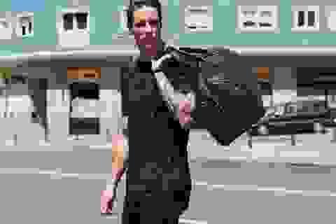 Dấn thân làng mẫu, Fernando Torres cởi trần khoe thân nóng bỏng