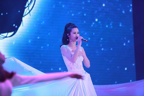 Isaac, Soobin Hoàng Sơn, Đông Nhi sôi động trong đại tiệc âm nhạc