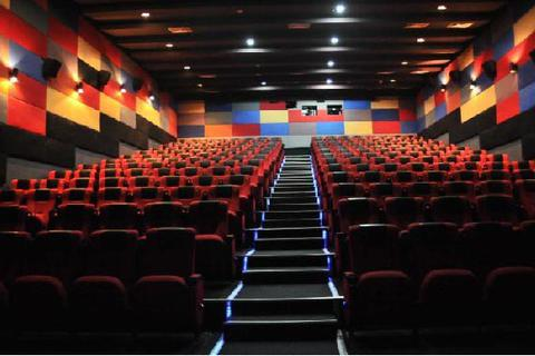 Cụm rạp Platinum đóng cửa tại Vincom: Hé lộ những vướng mắc giữa các bên