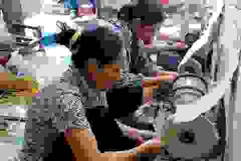 Hà Nam: Làng mỹ nghệ sừng Đô Hai tất bật mối hàng dịp tết