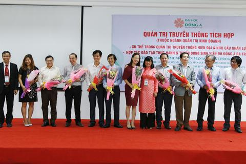 QTKD-Quản trị truyền thông tích hợp tại ĐH Đông Á: Bảo đảm việc làm cho SV ra trường
