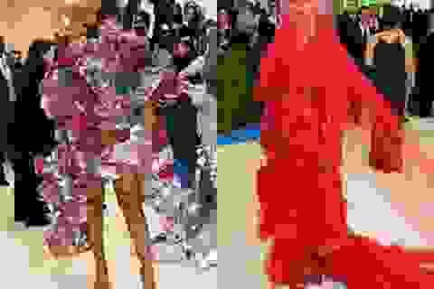 """Rihanna và Katy Perry gây sốc với trang phục siêu """"dị"""""""
