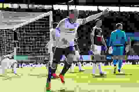 Burnley 0-2 MU: Ngày của Martial và Rooney