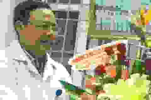 """Vụ """"bôi nhọ"""" Bộ trưởng trên facebook: Sở Y tế tỉnh xin lỗi bác sĩ Hoàng Công Truyện"""