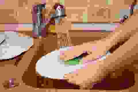 Sai lầm khi rửa bát hại sức khỏe cần bỏ gấp
