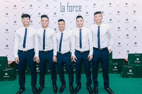 U20 Việt Nam lịch lãm sang trọng trong trang phục Offical