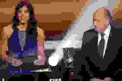 Sepp Blatter bị tố quấy rối tình dục cầu thủ nữ tại lễ trao giải Quả bóng vàng
