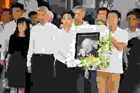 Bị khởi kiện, cháu nội cố Thủ tướng Lý Quang Diệu quyết không về nước