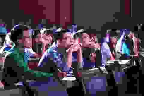 """Hội đồng trường: """"Tấm đệm giảm xung"""" cho trường đại học và hiệu trưởng"""