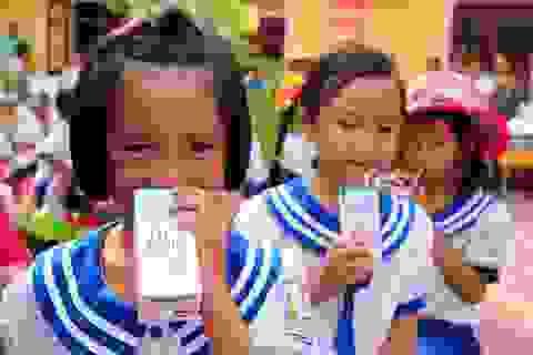 """""""Món quà"""" Sữa học đường cho hơn 11 triệu trẻ em Việt Nam"""