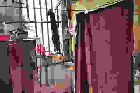 Chuyện khó tin: Che ri đô tắm ở hành lang khu tập thể Hà Nội