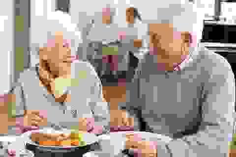 """Chăm sóc người già ở những xứ sở """"thiên đường"""" có gì đặc biệt?"""