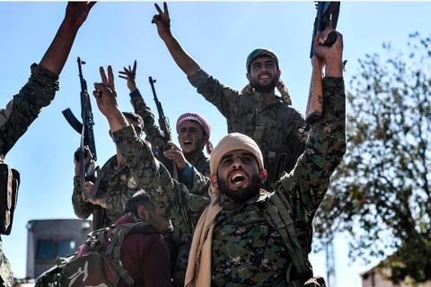 """""""Thủ phủ"""" của IS tại Syria đã được giải phóng"""