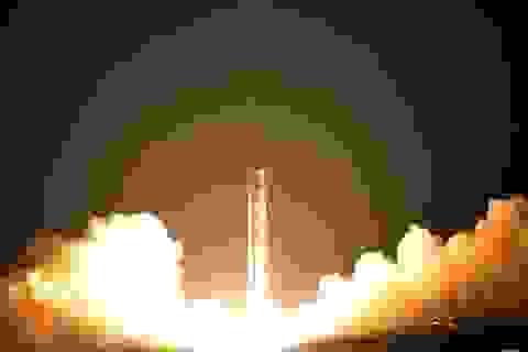 """Triều Tiên """"khoe"""" hình ảnh vụ phóng tên lửa mạnh nhất từ trước đến nay"""