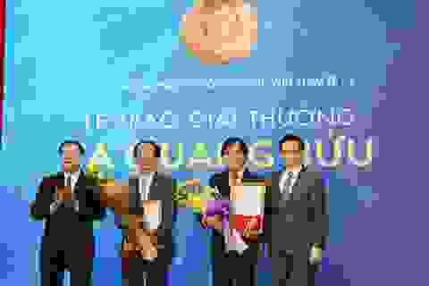 Trao Giải thưởng Tạ Quang Bửu 2017 cho hai nhà khoa học cơ bản