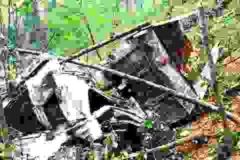 Xem xét khởi tố vụ ô tô rơi xuống vực khiến 4 người tử vong