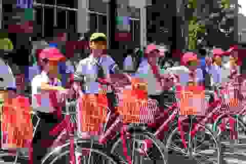 Tiếp sức cho học sinh nghèo có cơ hội đến trường