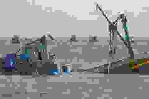 Tàu cá bị đâm chìm, 6 ngư dân rơi xuống biển