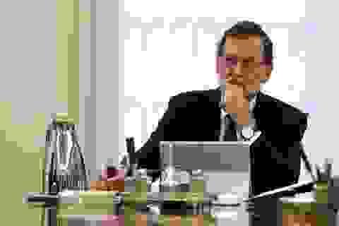 Tây Ban Nha phát tín hiệu tước quyền tự trị của Catalonia