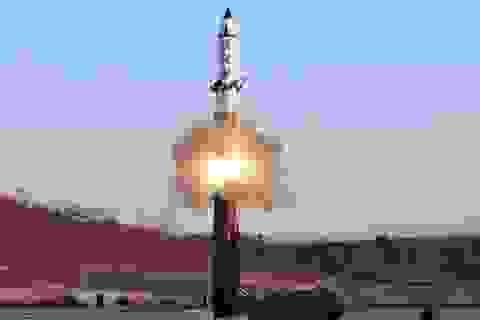 Mỹ: Triều Tiên phóng tên lửa đạn đạo lúc nửa đêm