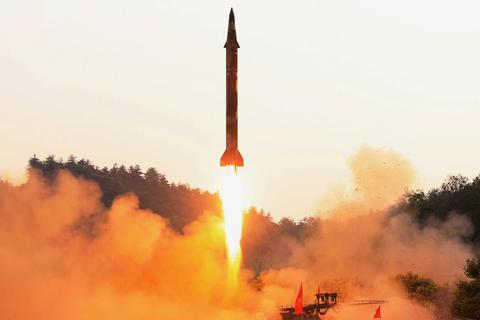 Nga, Trung Quốc kêu gọi chấm dứt vòng luẩn quẩn Triều Tiên