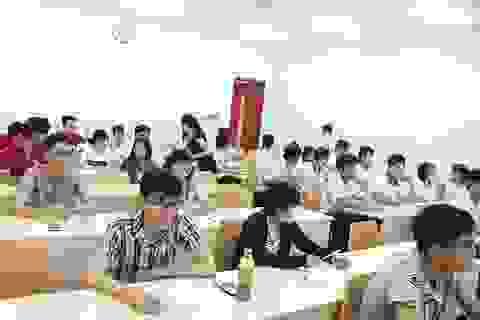 TPHCM: Hàng ngàn thí sinh đăng ký các kỳ thi kiểm tra năng lực