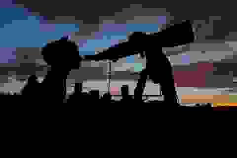 Bạn có thể quan sát tiểu hành tinh khổng lồ Florence vào lúc nào?