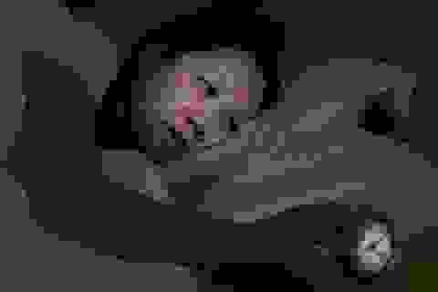 Thiếu ngủ gây hại cho thần kinh ngang uống rượu