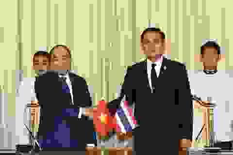 Việt Nam - Thái Lan hợp tác quốc phòng, trao đổi thông tin tình báo