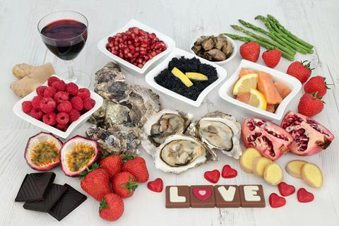 """20 loại thực phẩm bổ ích nhất giúp cải thiện """"chuyện ấy"""""""
