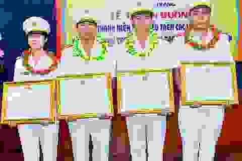 """Nữ cảnh sát trẻ được vinh danh giải thưởng """"Môi trường Việt Nam năm 2017"""""""