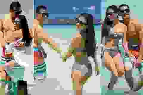 Thúy Diễm diện bikini nóng bỏng bên ông xã Lương Thế Thành