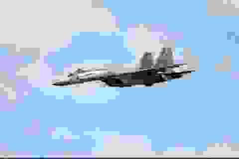 Tiêm kích Su-35S dùng pháo đối không diệt khủng bố