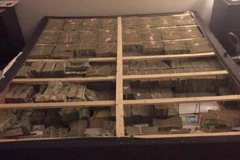Brazil bắt nghi phạm rửa tiền giấu 20 triệu USD thành đệm ngủ