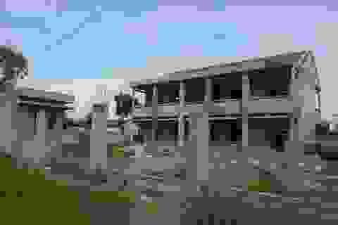 Sắp tựu trường, nhiều công trình trường học vẫn chưa hoàn thành