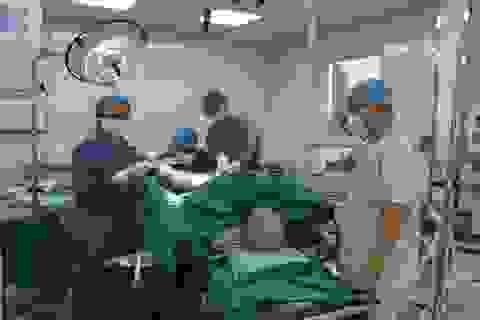 Bệnh nhân trên 100 tuổi được phẫu thuật u tuyến tiền liệt thành công